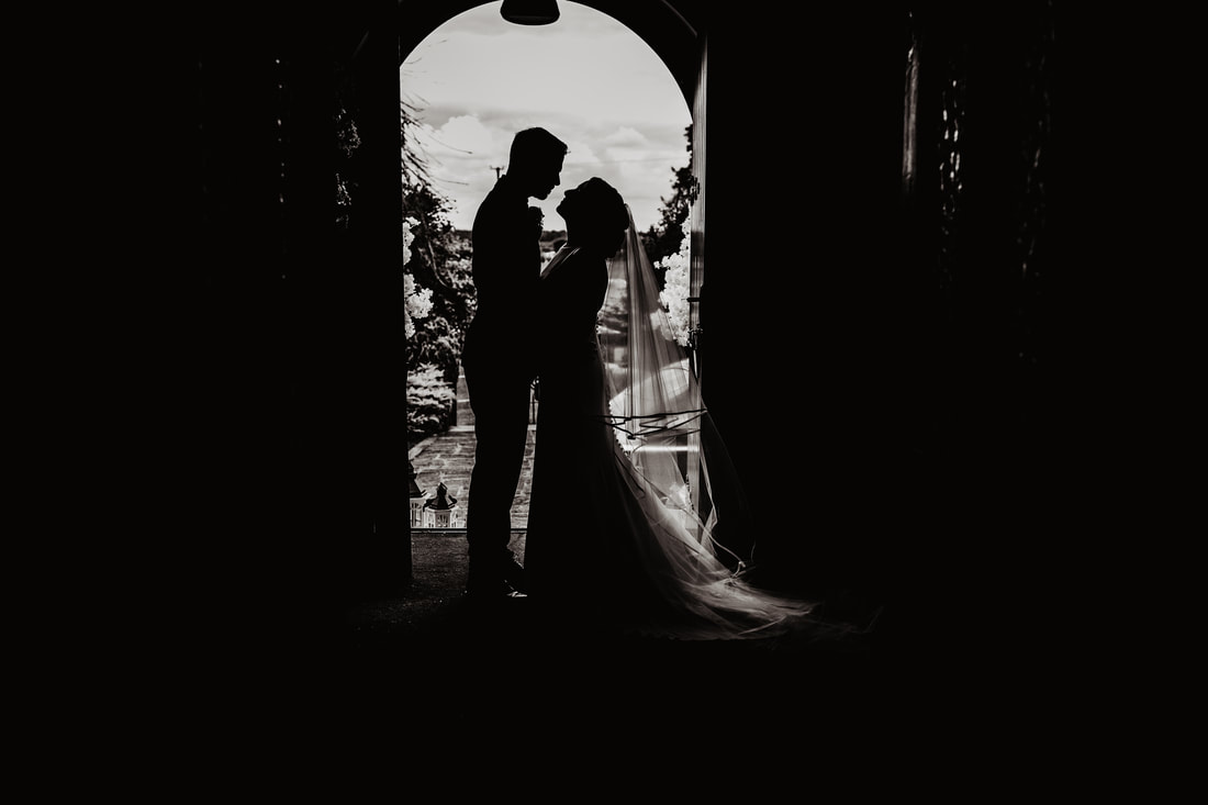 B&W silhouette bride and groom