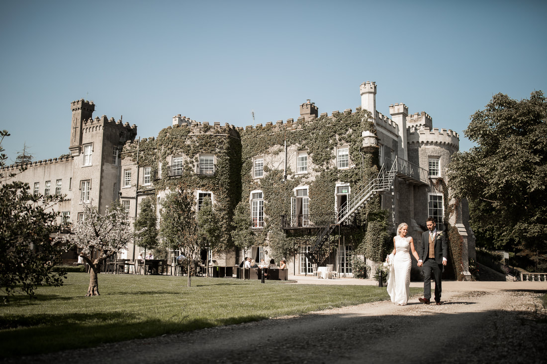 Bellingham castle wedding in Ireland. Photographer Mario Vaitkus